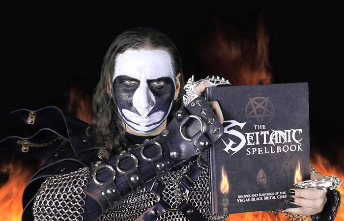 Vegan Black Metal Chef: disponibile il ricettario 'The Seitanic Spellbook'!