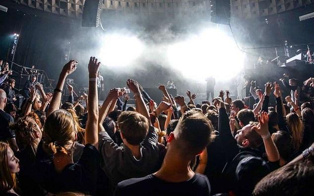 """""""Perché ascolti Metal?"""" Storia di uno di molti noi, sotto il palco di un concerto"""