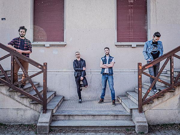 """""""La città era piena di rumore"""", nuovo album per i Wet Floor"""