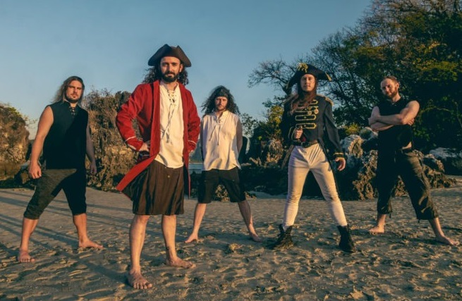 "ALESTORM: nuovo singolo ""Pirate Metal Drinking Crew"" guarda il video"