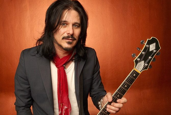 GILBY CLARKE: guarda il video di 'The Gospel Truth'