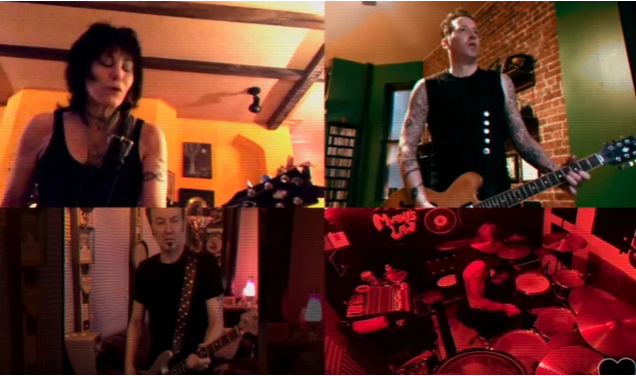 JOAN JETT & THE BLACKHEARTS suonano 'Light Of Day' in quarantena (VIDEO)