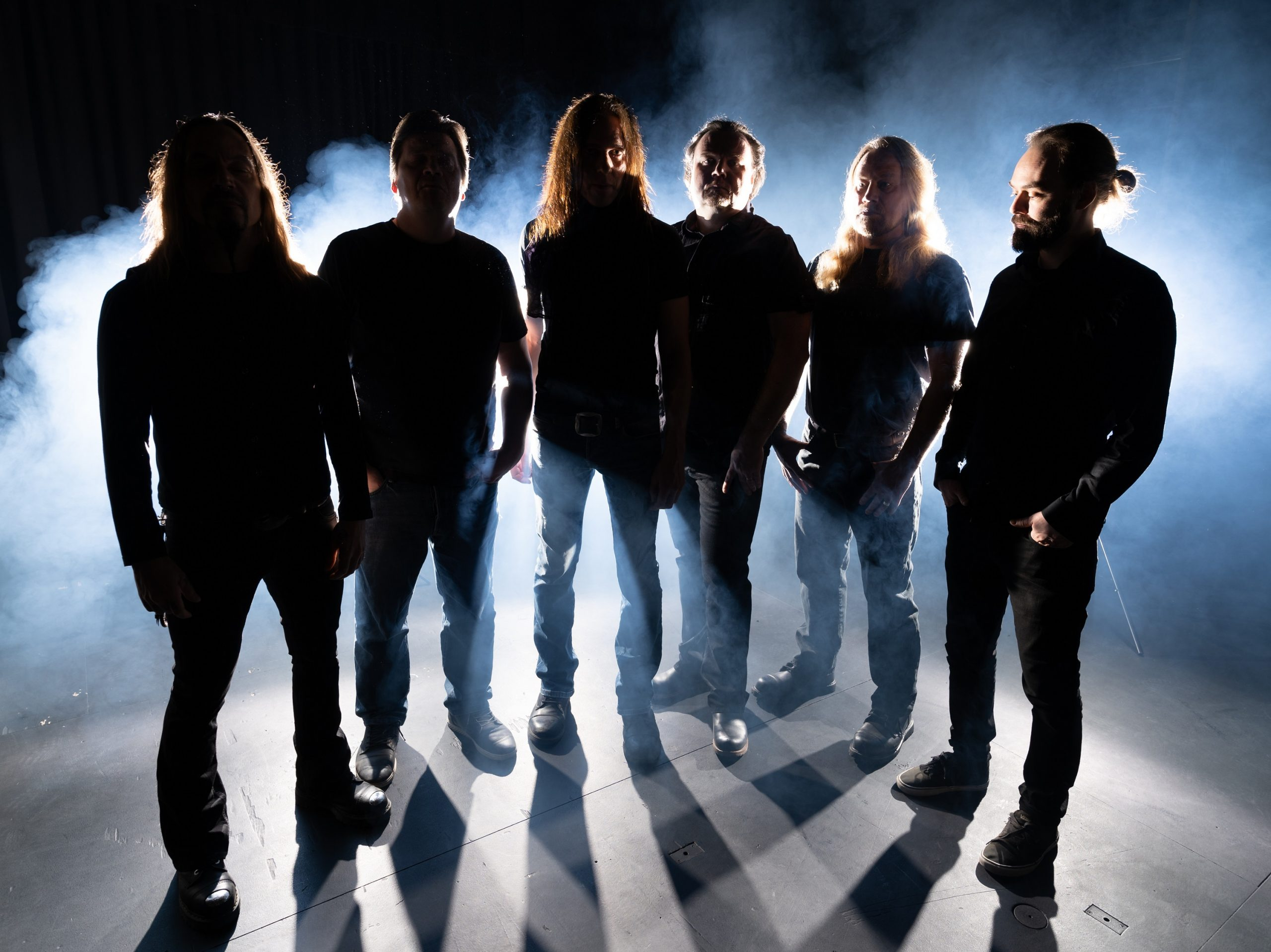 SINISTHRA: lyric video di 'Closely Guarded Distance'