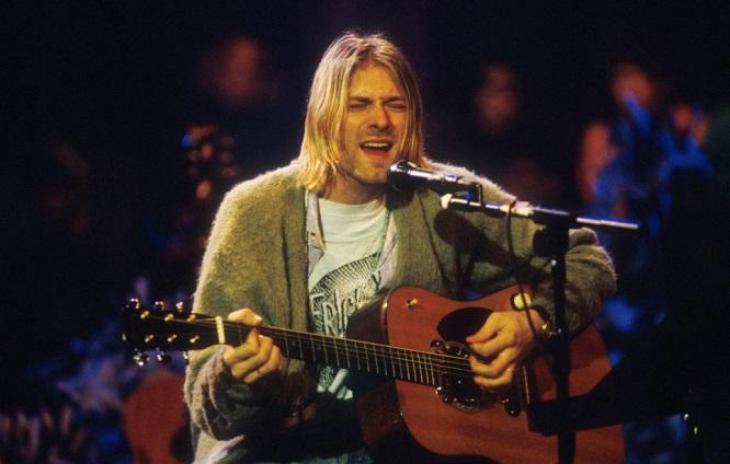 NIRVANA: la chitarra acustica di KURT COBAIN andrà all'asta