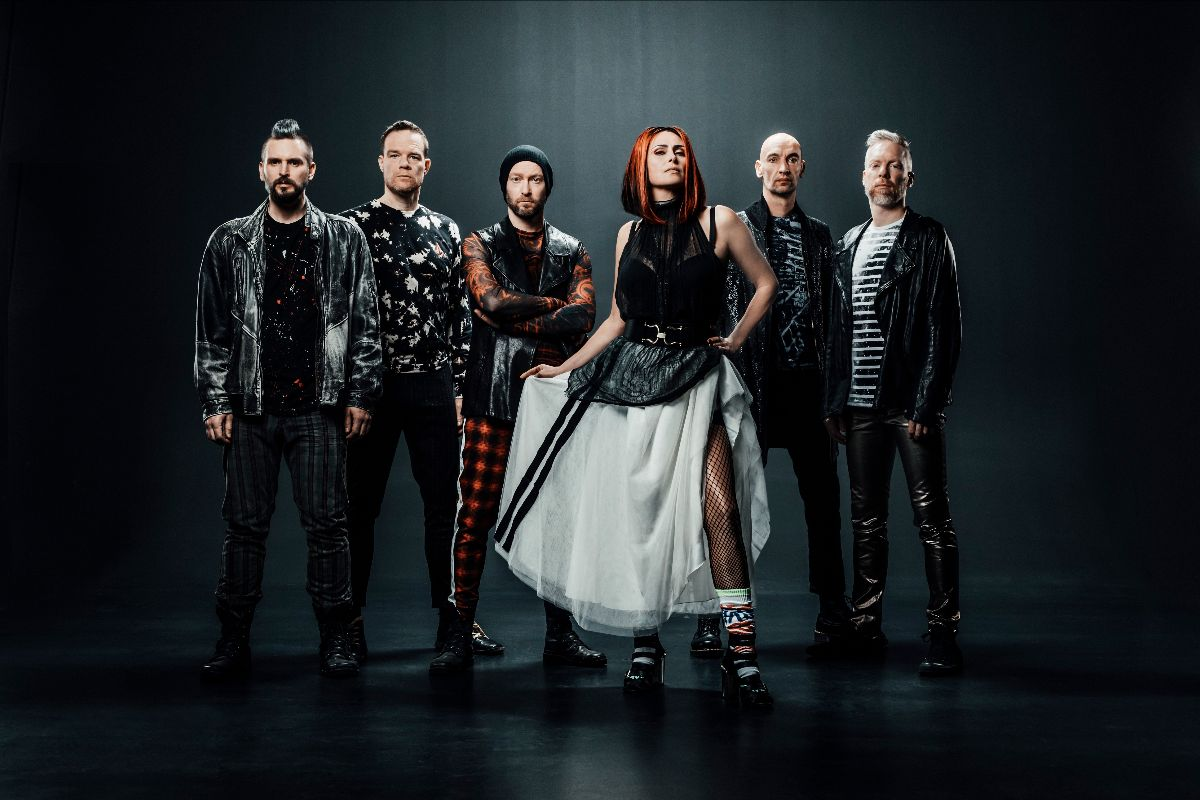 "WITHIN TEMPTATION: in anteprima il video di ""Entertain You"""