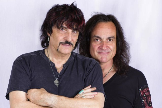 VINNY e CARMINE APPICE: 'Monsters And Heroes', il video tributo a Ronnie James Dio