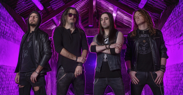HELL IN THE CLUB: il lyric video di 'Lullaby For An Angel'