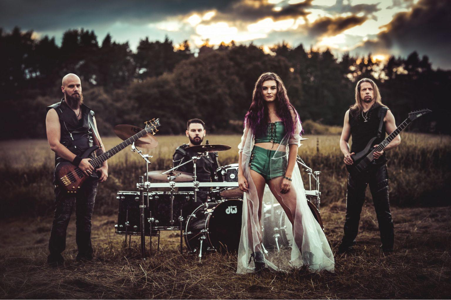 SURMA: membri di TÝR, BOHEMIAN METAL RHAPSODY ed ex-ARKONA, formano una band ed ecco il debut album