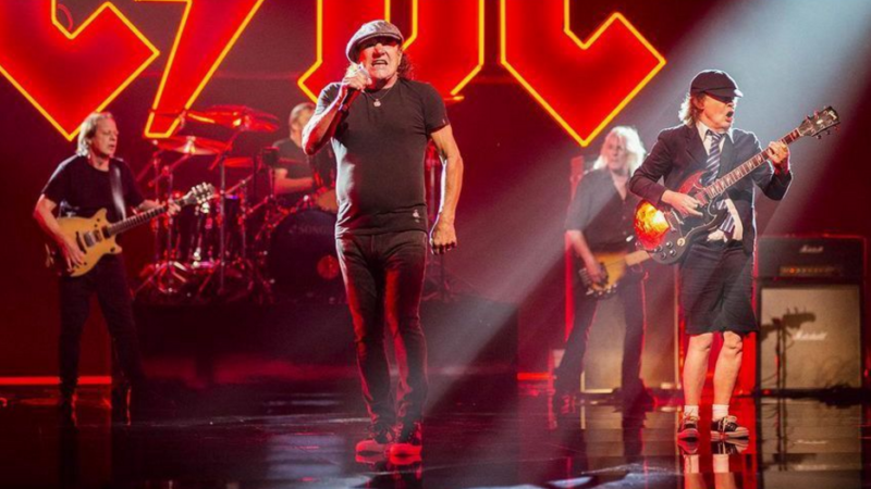 AC/DC: all'opera sul nuovo video