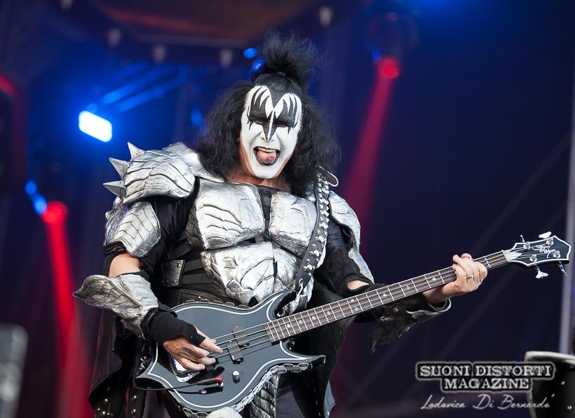 KISS: Gene Simmons lancia la nuova linea di bassi e chitarre con la Gibson