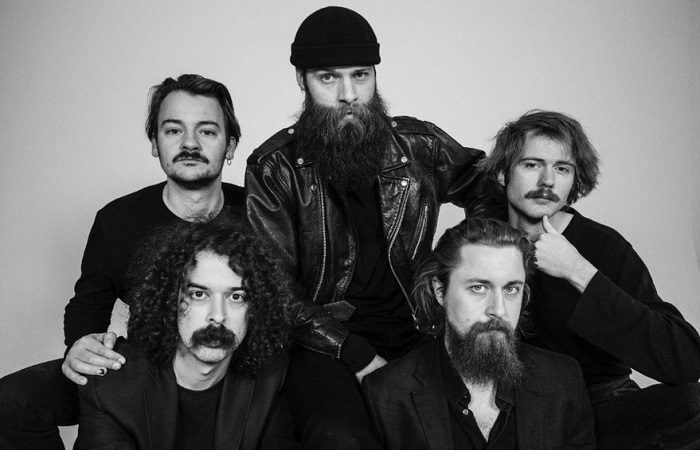 LOVE MACHINE: il video del nuovo singolo 'That Mean Old Thing'