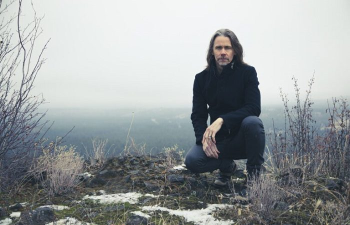 MYLES KENNEDY suona due nuovi brani in acustico (Video)