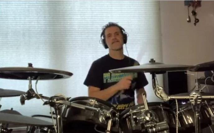 CHARLIE BENANTE suona la versione demo di una nuova canzone degli ANTHRAX