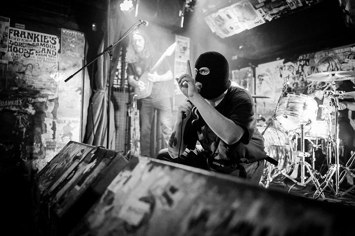 2MUMS: fuori il nuovo singolo 'Policeman'