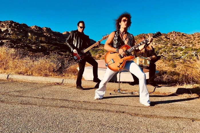 ALEX COLE: il video di 'Bad Boy Rocker', dalla colonna sonora di 'Senior Moment'