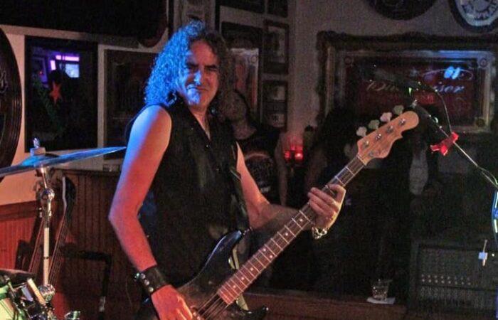 Ci lascia ROB FARR, bassista dei WARRIOR, a 58 anni