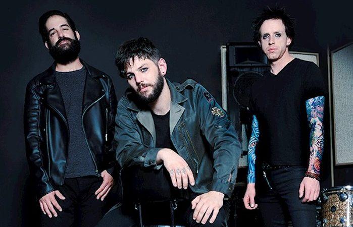I THEM GUNS hanno rilasciato il nuovo singolo 'Shot In The Dark' in streaming