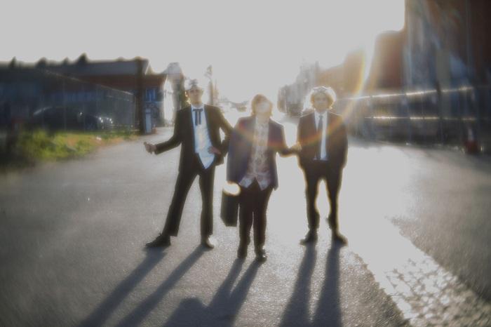 VELVET STARLINGS: fuori il nuovo singolo 'Back Of The Train', guarda il video