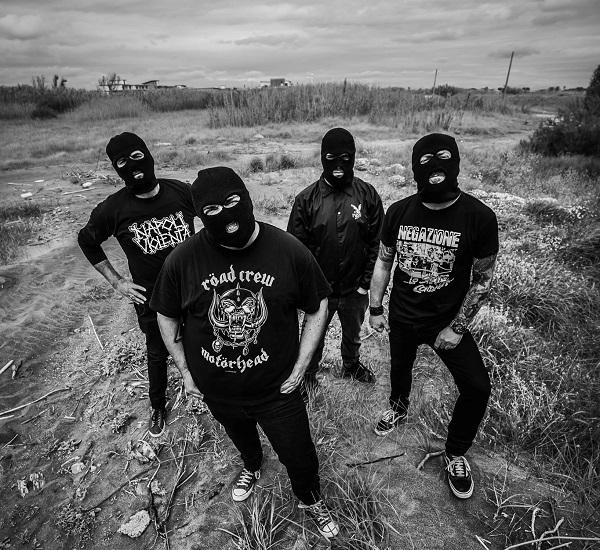 NAPOLI VIOLENTA: ascolta 'Extreme Noise Terron' dal nuovo disco 'Neapolitan Power Violence'