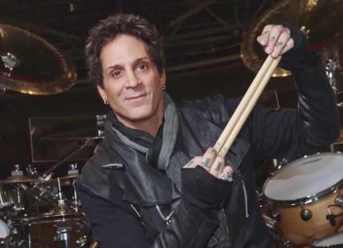 JOURNEY: il batterista Deen Castronovo di nuovo nella band