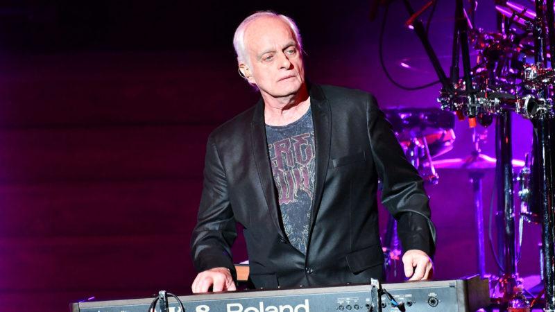 YES: il tastierista Tony Kaye pubblicherà un disco solista